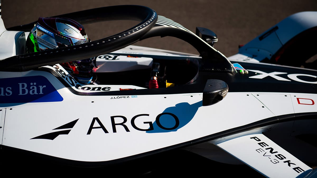 GEOX-DRAGON-PENSKE-EV3-JOSE-MARIA-LOPEZ-MARRAKESH-LOU-JOHNSON