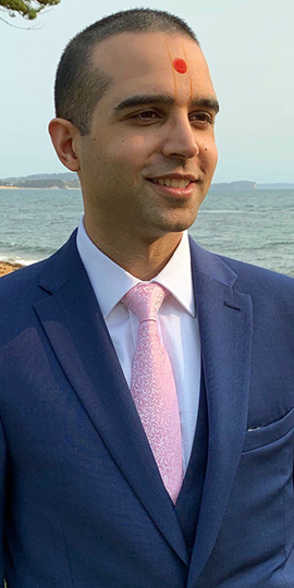 Krishna Nakarja headshot